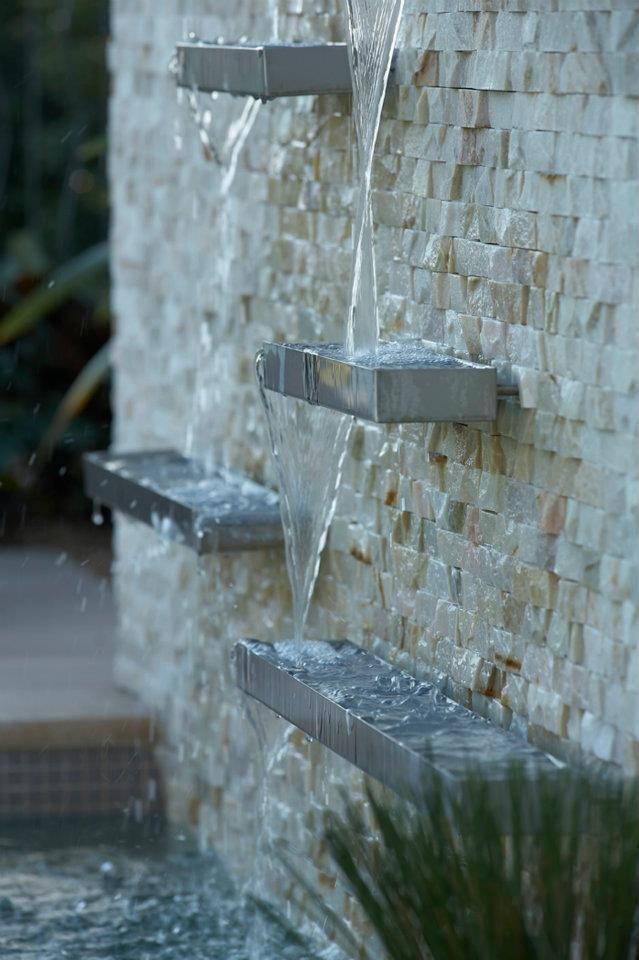 modern wall water fountains photo - 1