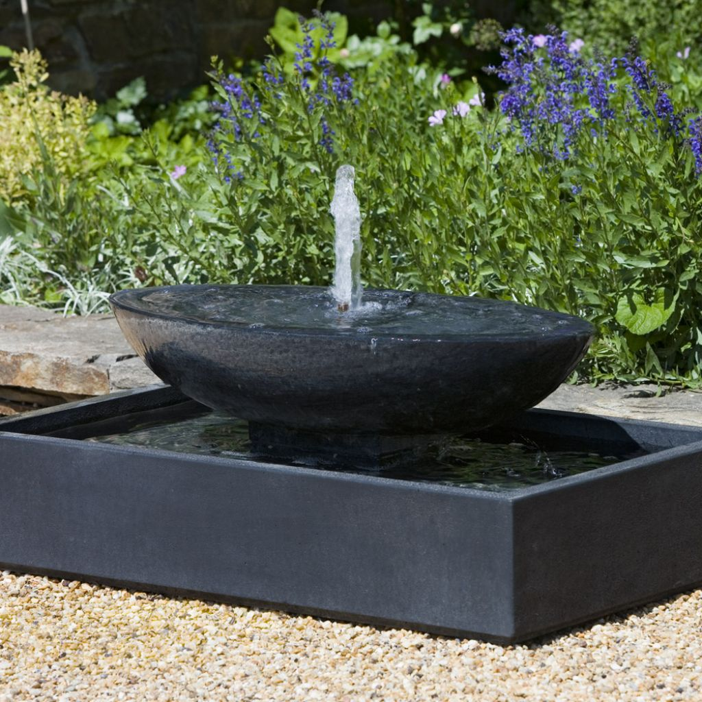 modern water fountains photo - 9