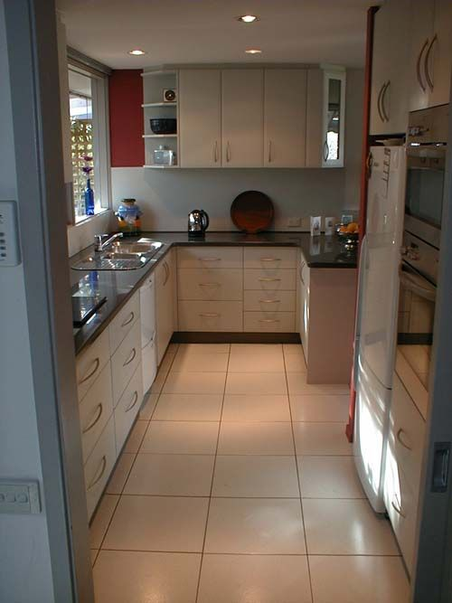 narrow u shaped kitchen designs photo - 10