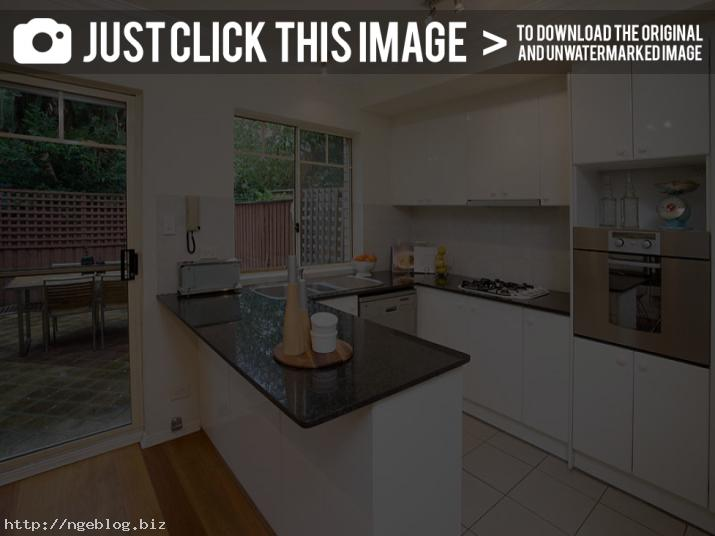 narrow u shaped kitchen designs photo - 4