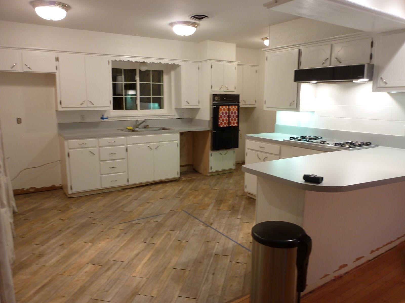 narrow u shaped kitchen designs photo - 6