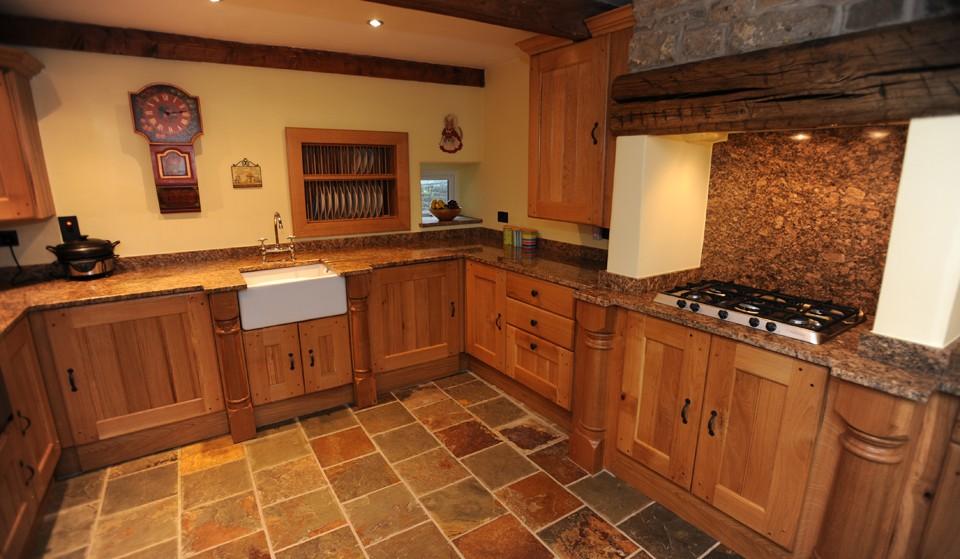 oak country kitchen designs photo - 1