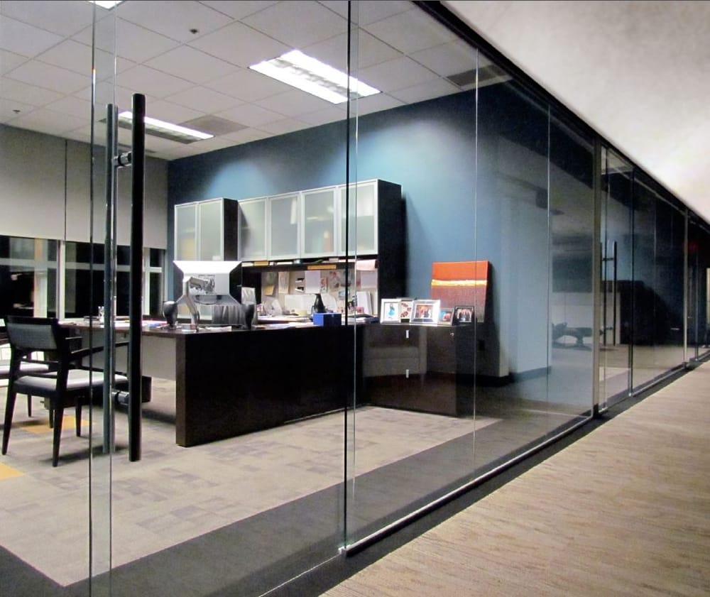office interior glass walls photo - 2