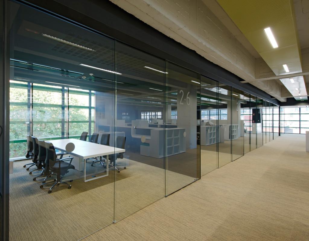 office interior glass walls photo - 8