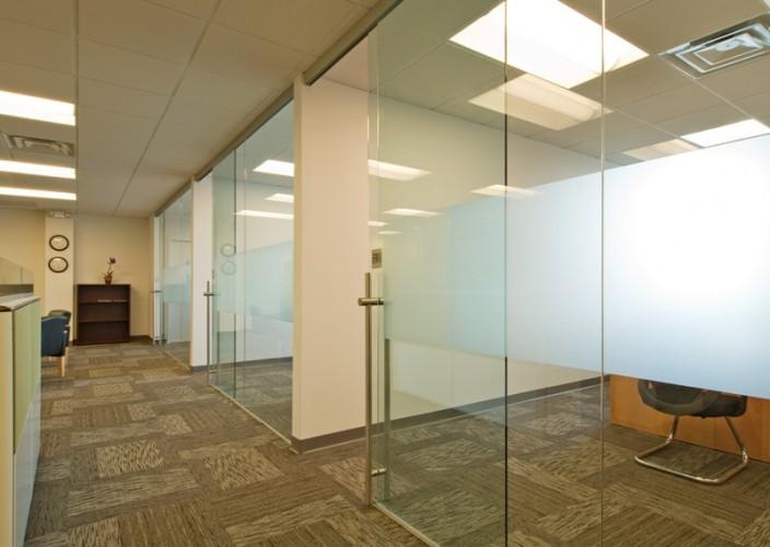 office interior glass walls photo - 9