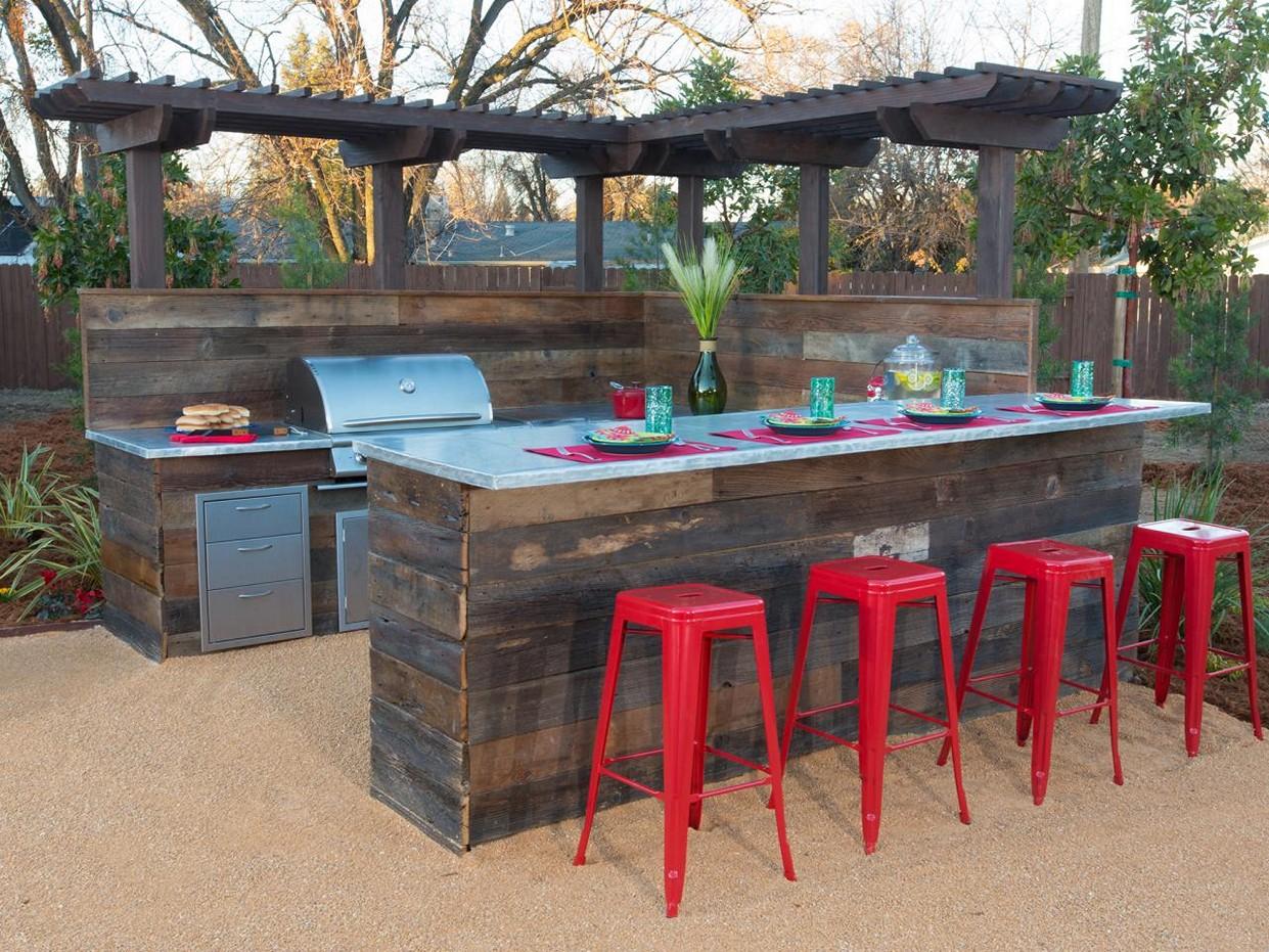 outdoor bar table design photo - 5