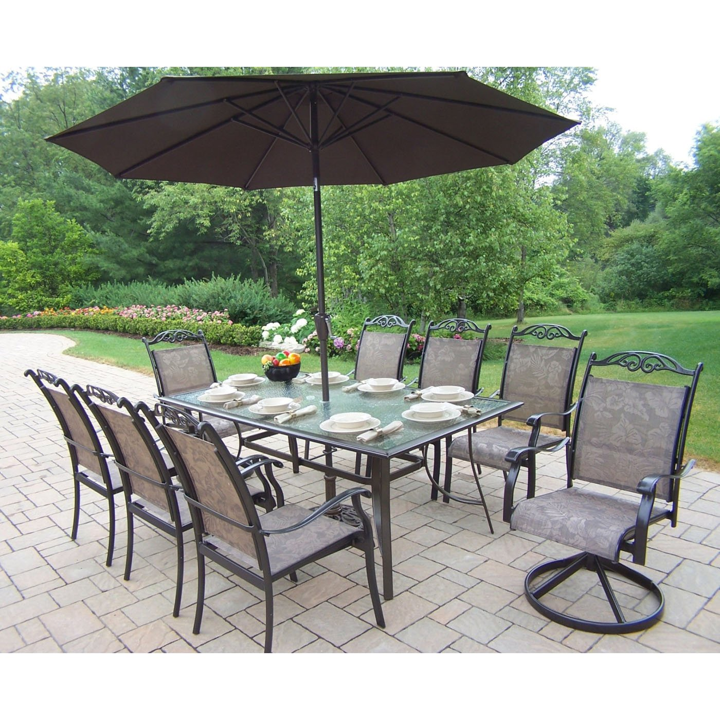 Gentil Outdoor Dining Sets With Umbrella