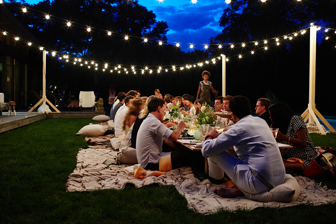 outdoor dinner party lights photo - 10