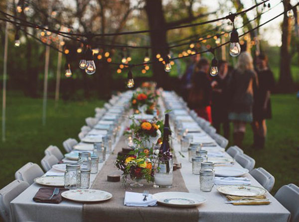 outdoor dinner party lights photo - 2