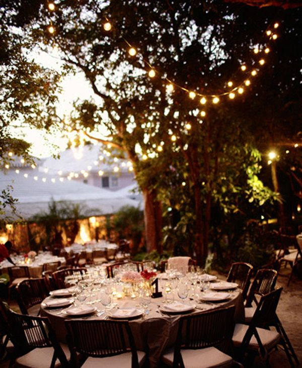 outdoor dinner party lights photo - 8