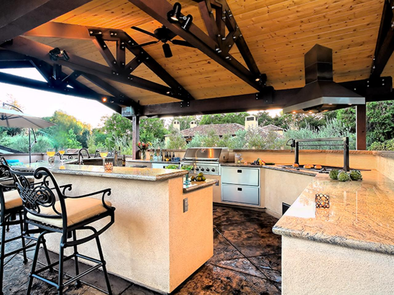 outdoor kitchen and bar designs photo - 6