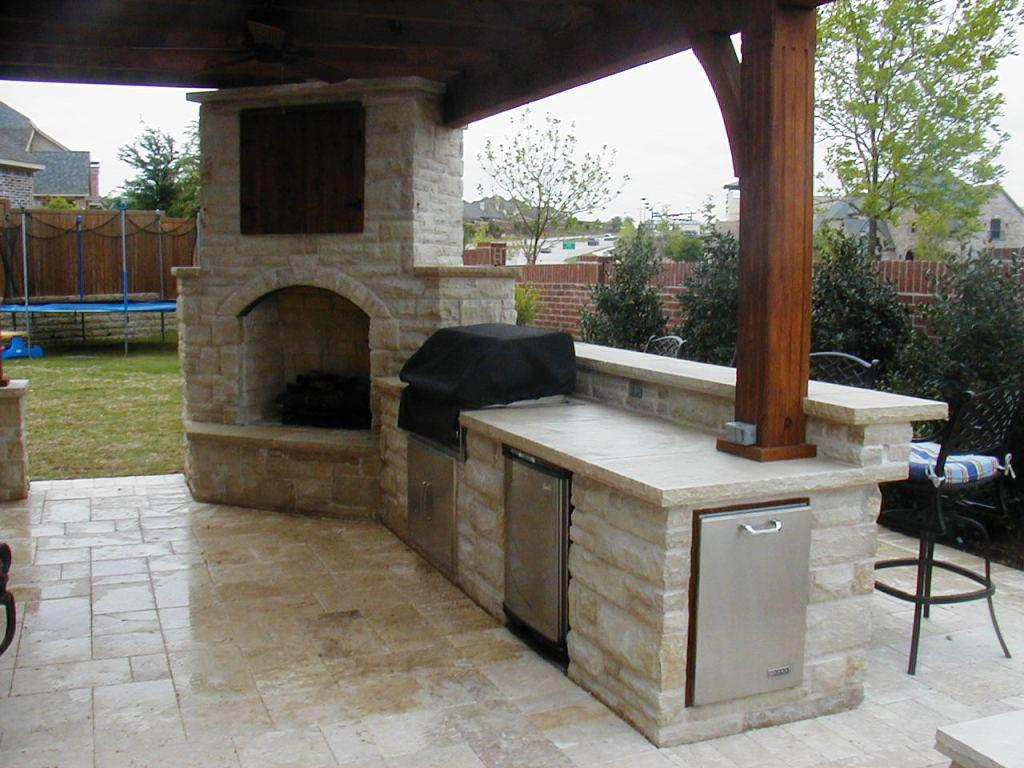 outdoor kitchen and fireplace designs photo - 10