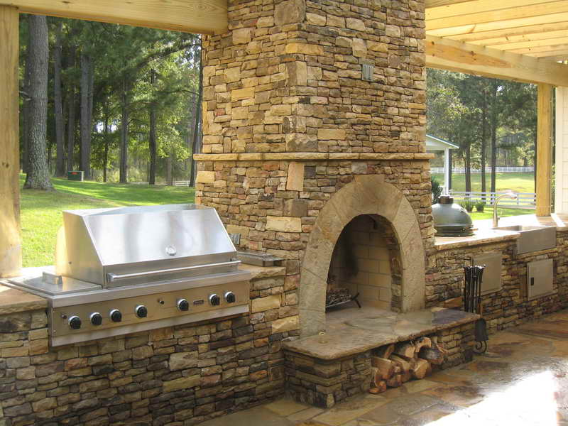 outdoor kitchen and fireplace designs photo - 2
