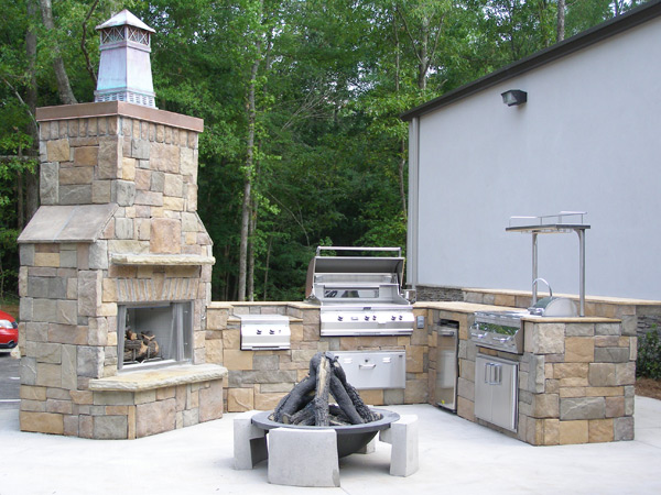 outdoor kitchen and fireplace designs photo - 8