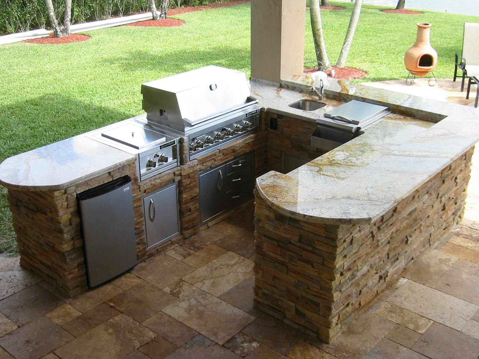 outdoor kitchen grill island photo - 3