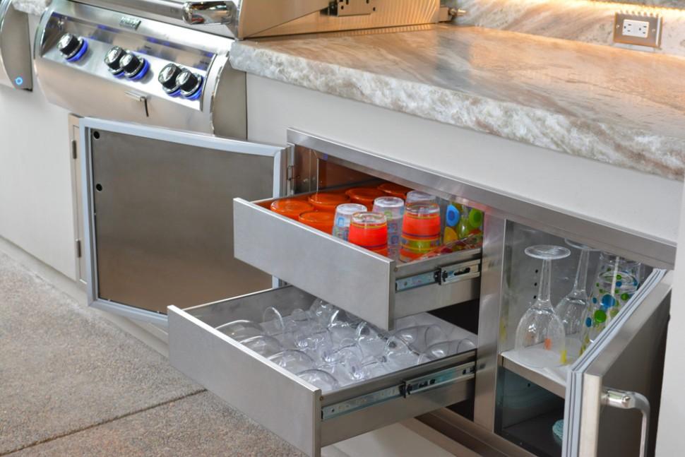 outdoor kitchen ice maker photo - 9