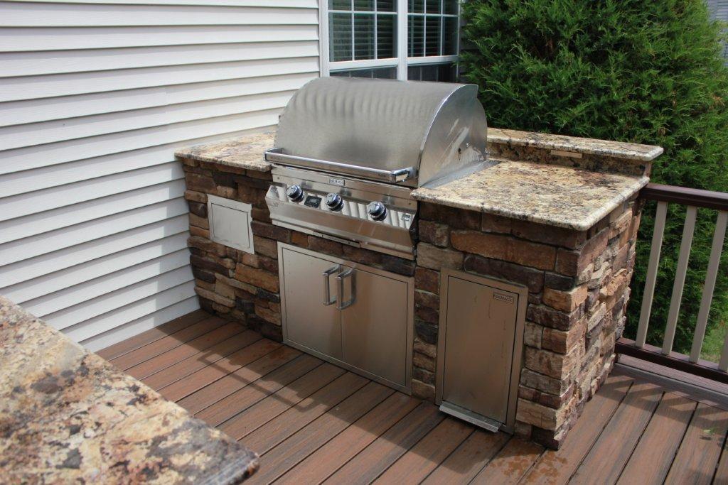 outdoor kitchen on deck photo - 3