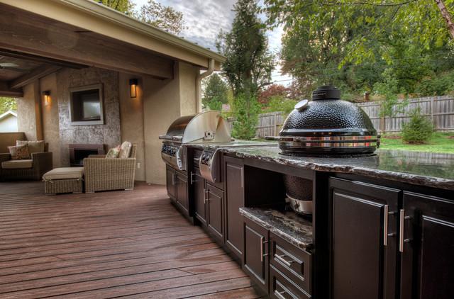 outdoor kitchen on deck photo - 5
