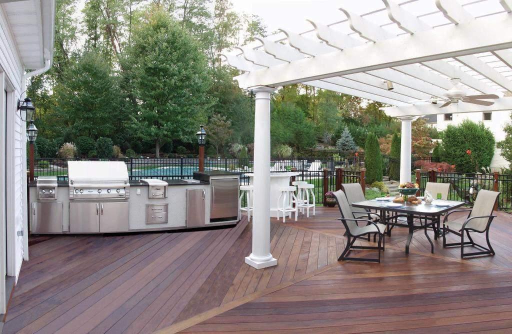 outdoor kitchen on deck photo - 6
