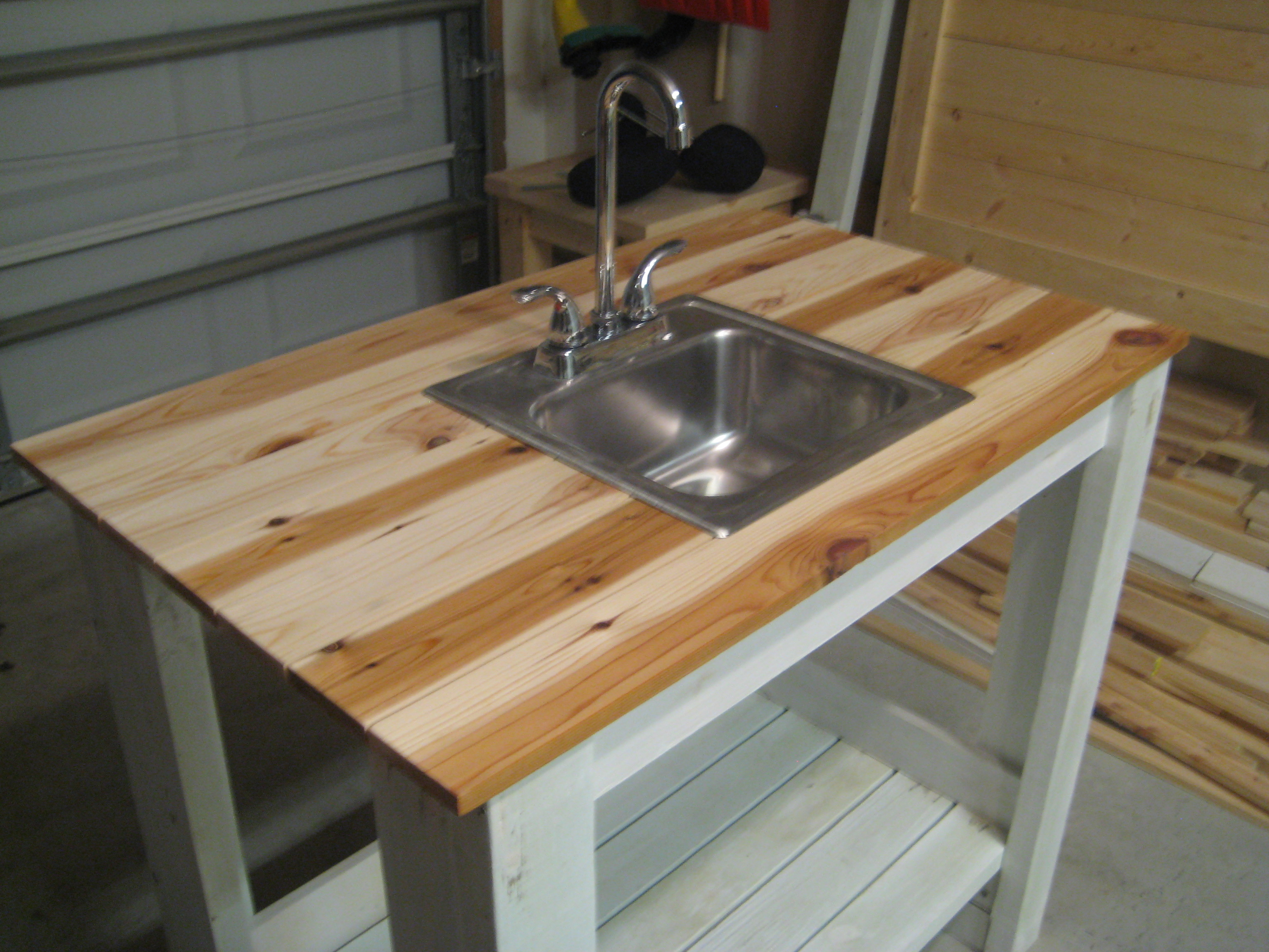outdoor kitchen sink photo - 2