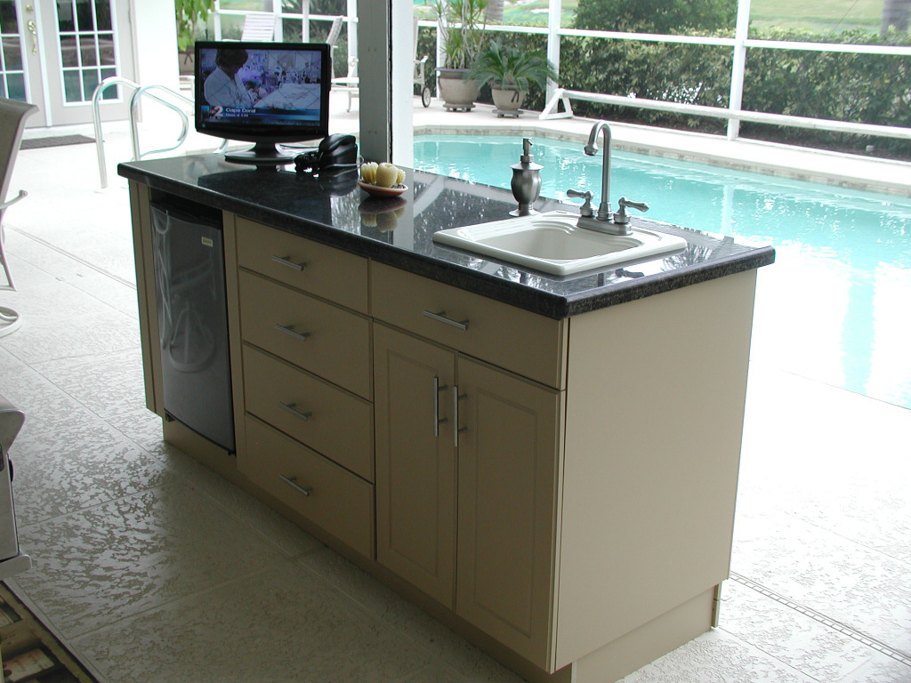 outdoor kitchen sink photo - 9