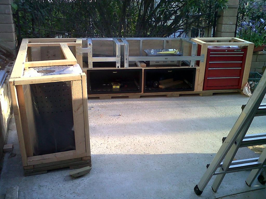 outdoor kitchen wood frame photo - 5