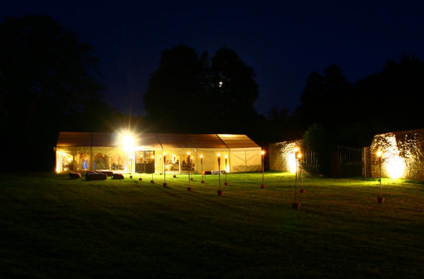 outdoor party lights photo - 8