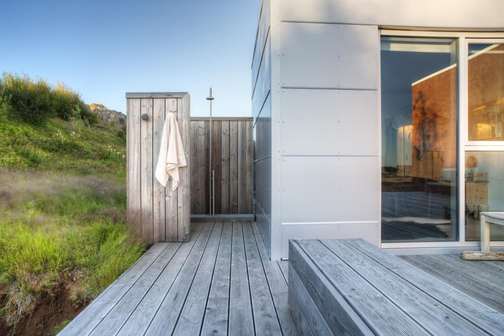 outdoor shower beach house photo - 1
