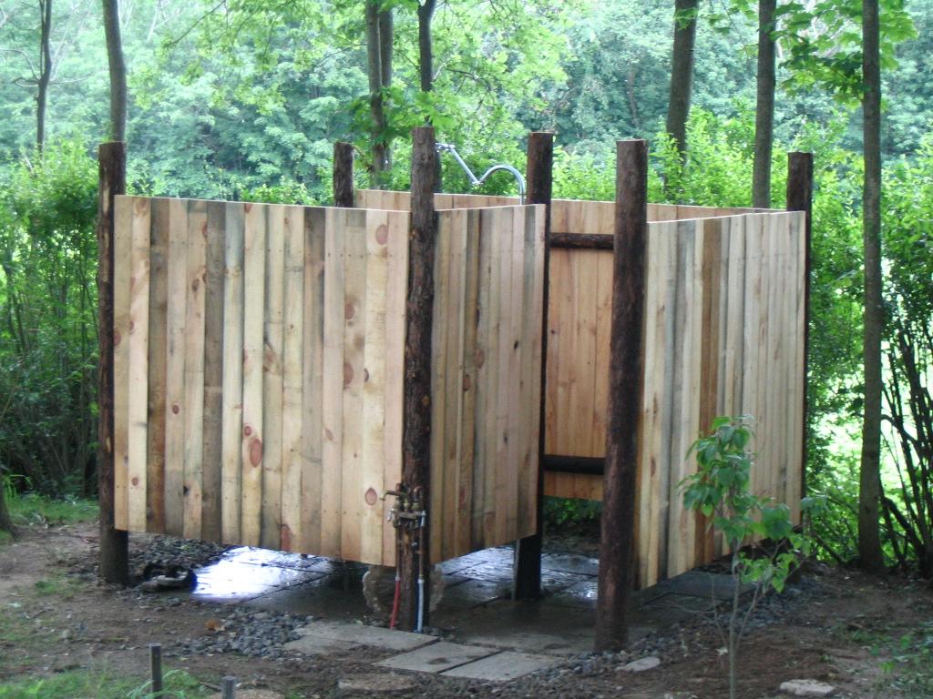 outdoor shower design photo - 2