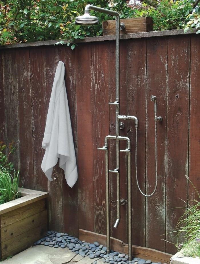 outdoor shower fixtures photo - 2