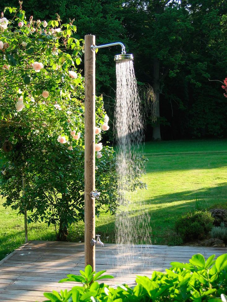 outdoor shower garden photo - 4
