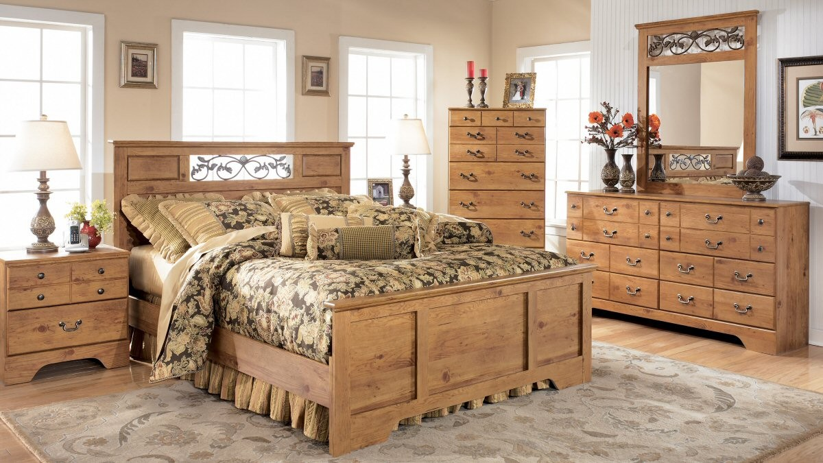 pine bedroom furniture decorating ideas photo - 4