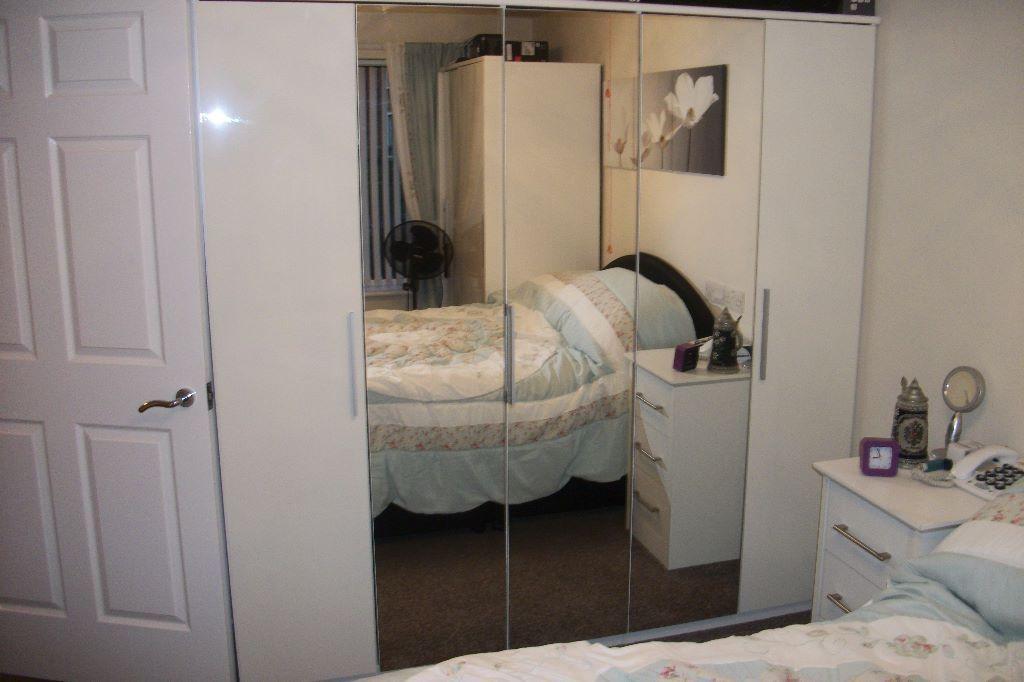 Purple Mirrored Bedroom Furniture Photo   2