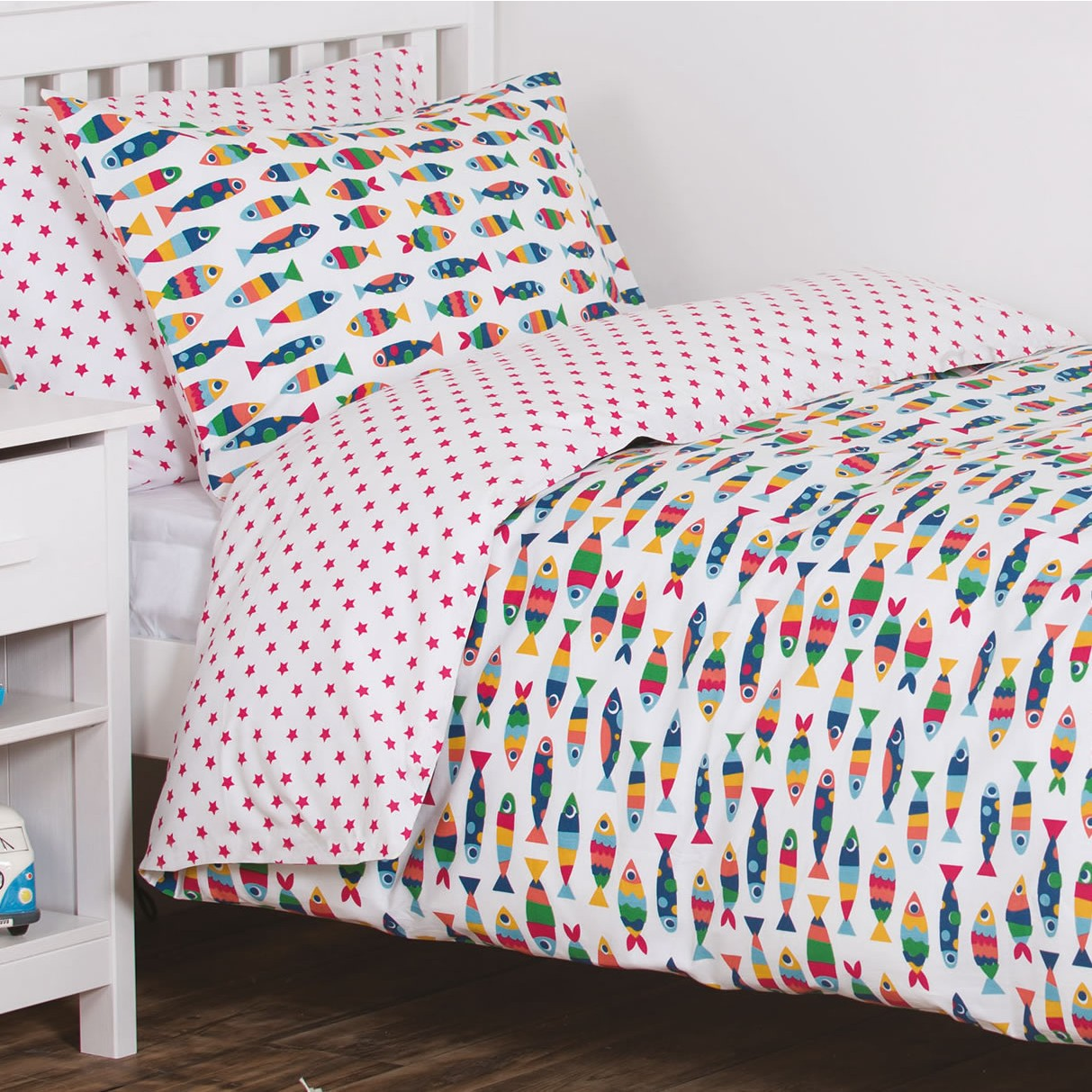 Purple Bedroom Lighting Espresso Bedroom Sets Bedroom Door Curtain Ideas Diy Bedroom Curtain Ideas: Rainbow Fish Bedding
