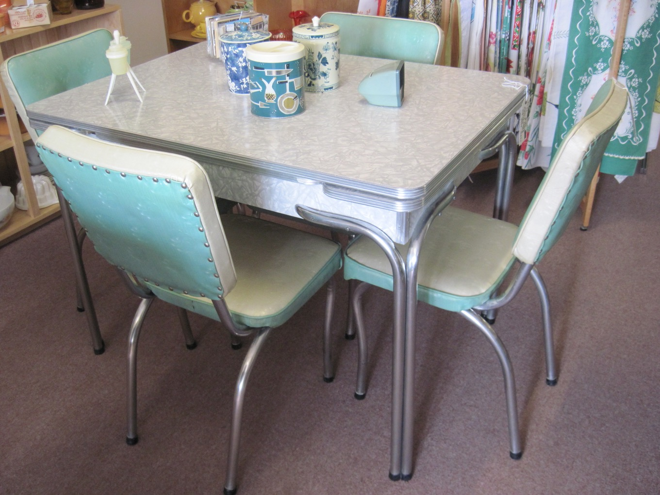 retro kitchen chairs and tables photo - 10