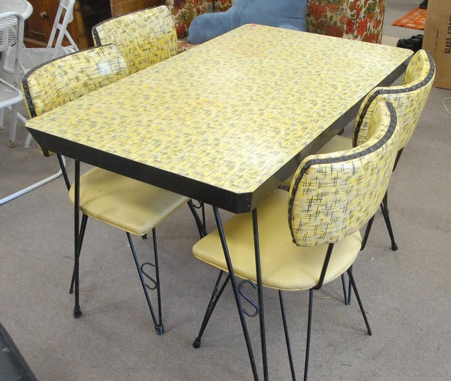 retro kitchen table leaf photo - 4