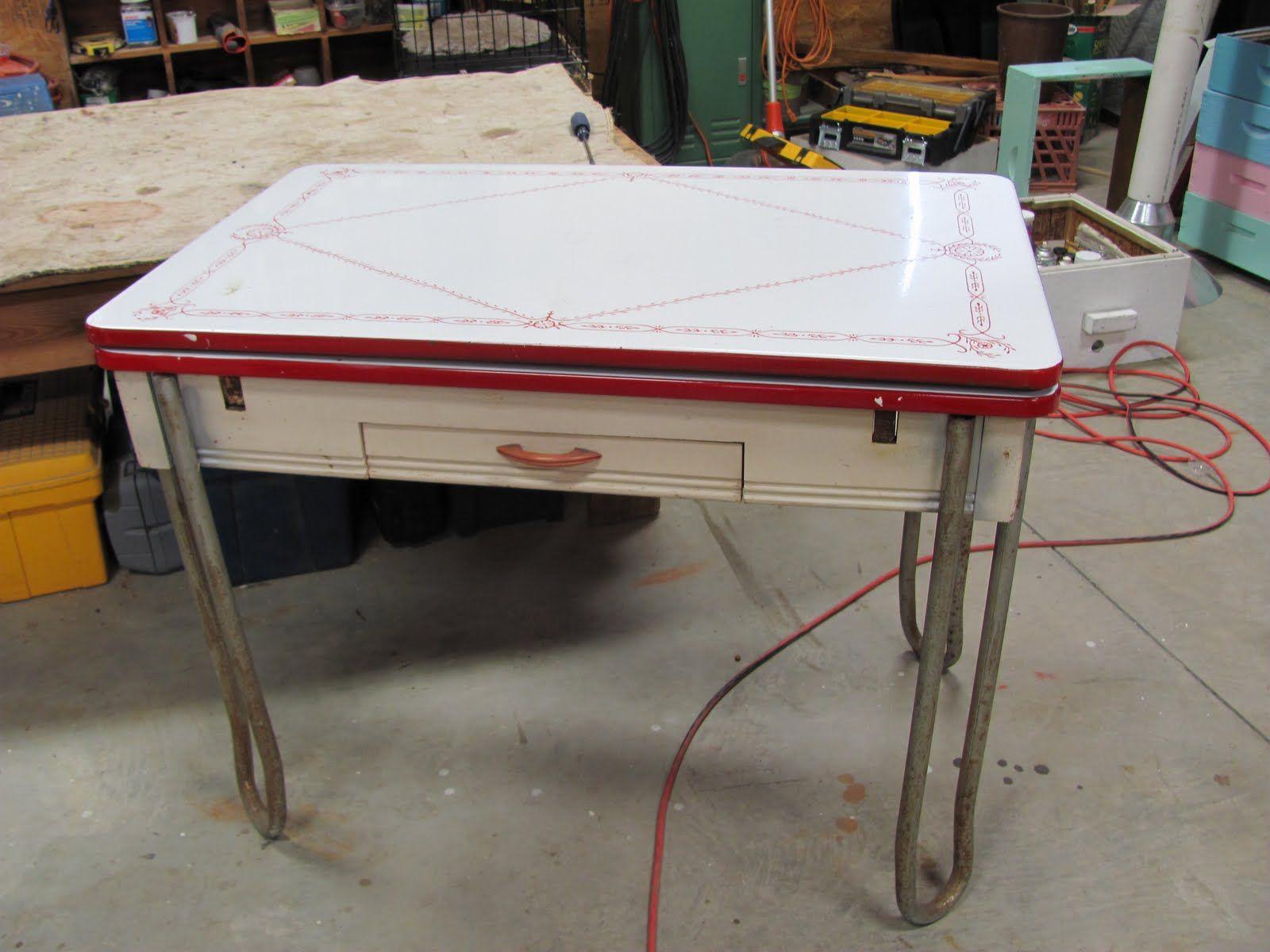 retro kitchen table legs photo - 9