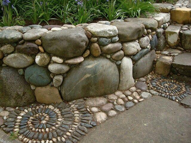 river rock garden wall photo - 10