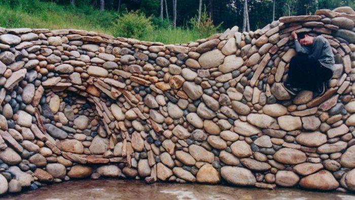 river rock garden wall photo - 6