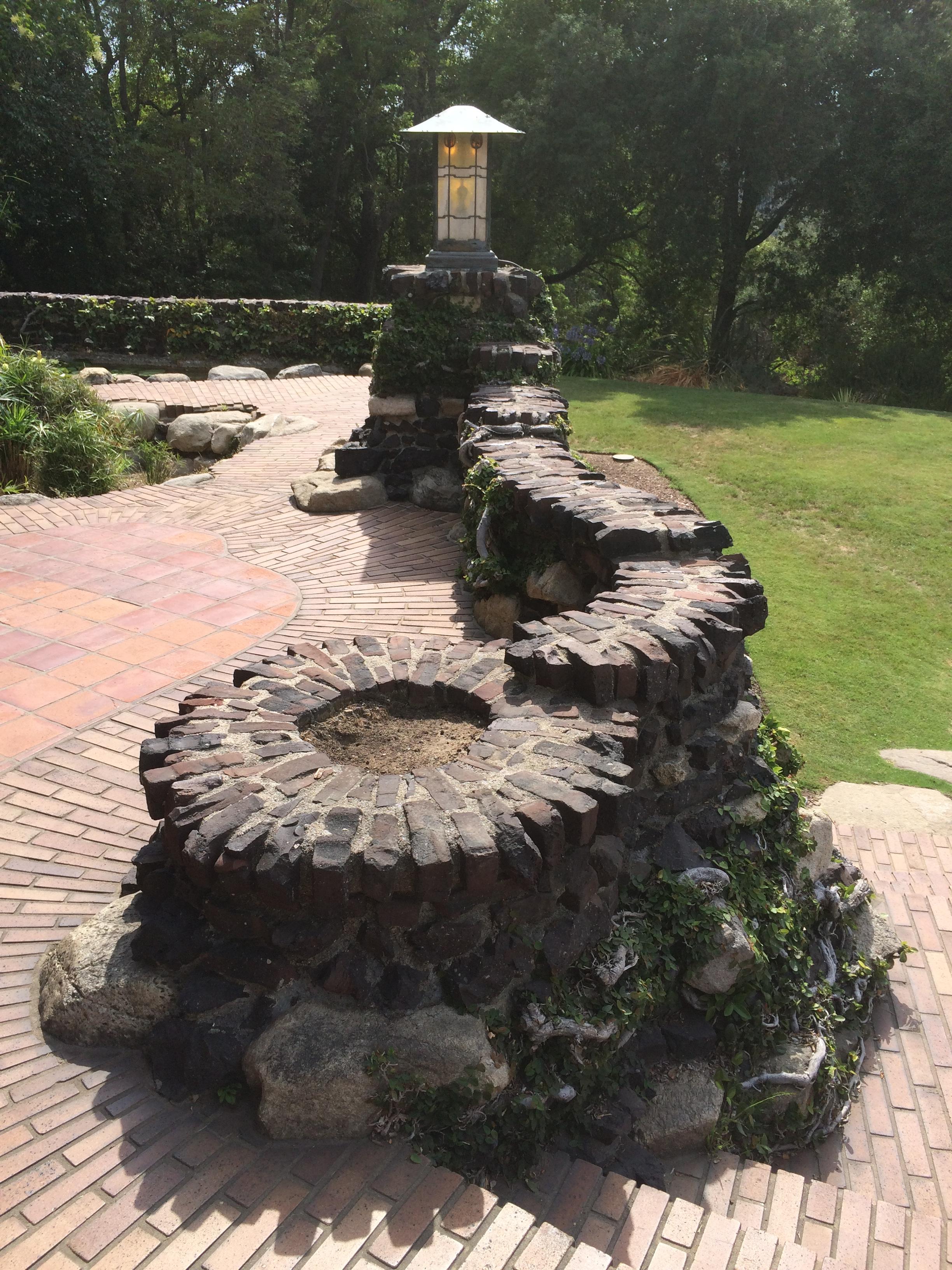 river rock garden wall photo - 9