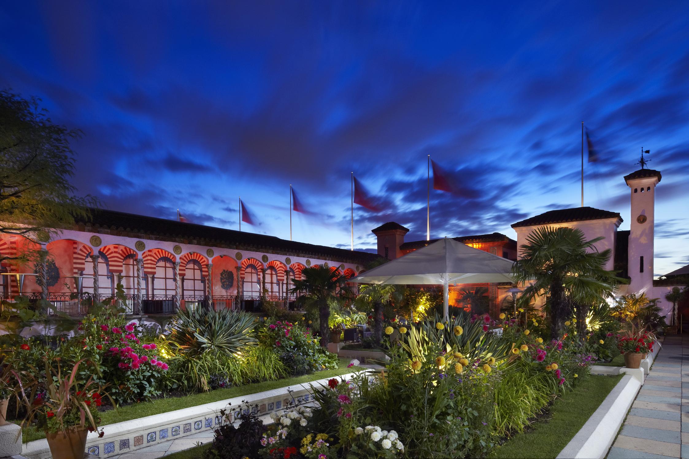 rooftop gardens bar photo - 2