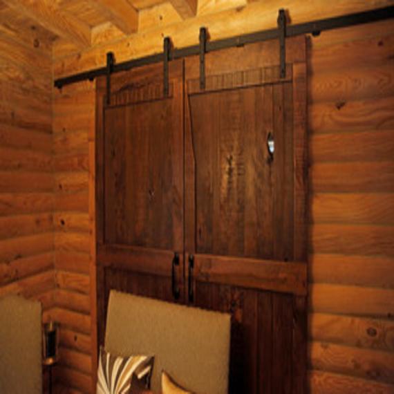 rustic interior sliding doors photo - 10