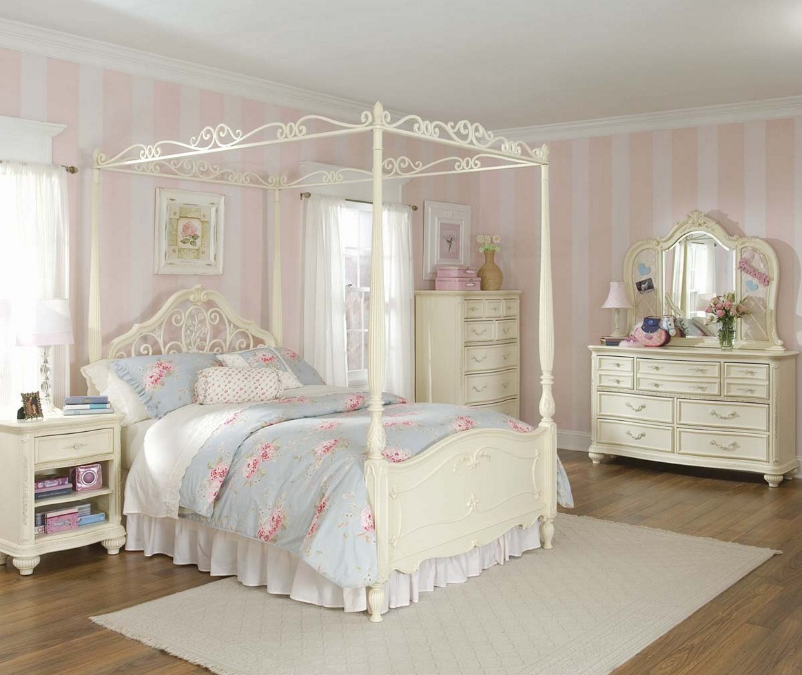 Shabby Chic Bedroom Furniture For S