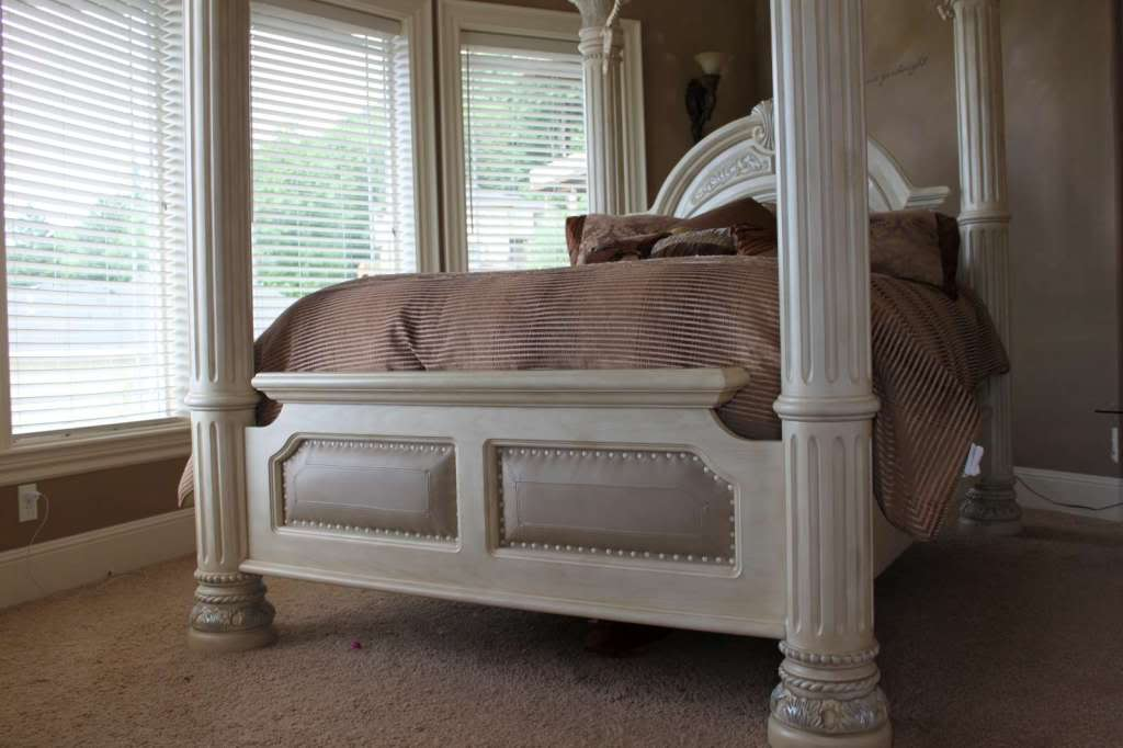 silver snow bedroom set photo - 3