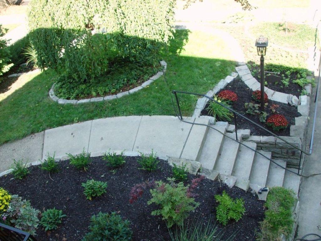 sloping front garden design ideas photo - 10