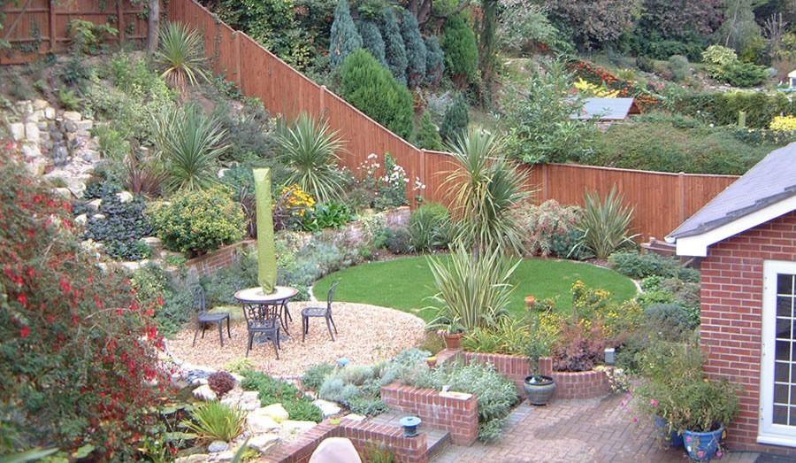 Sloping garden ideas photos   Hawk Haven
