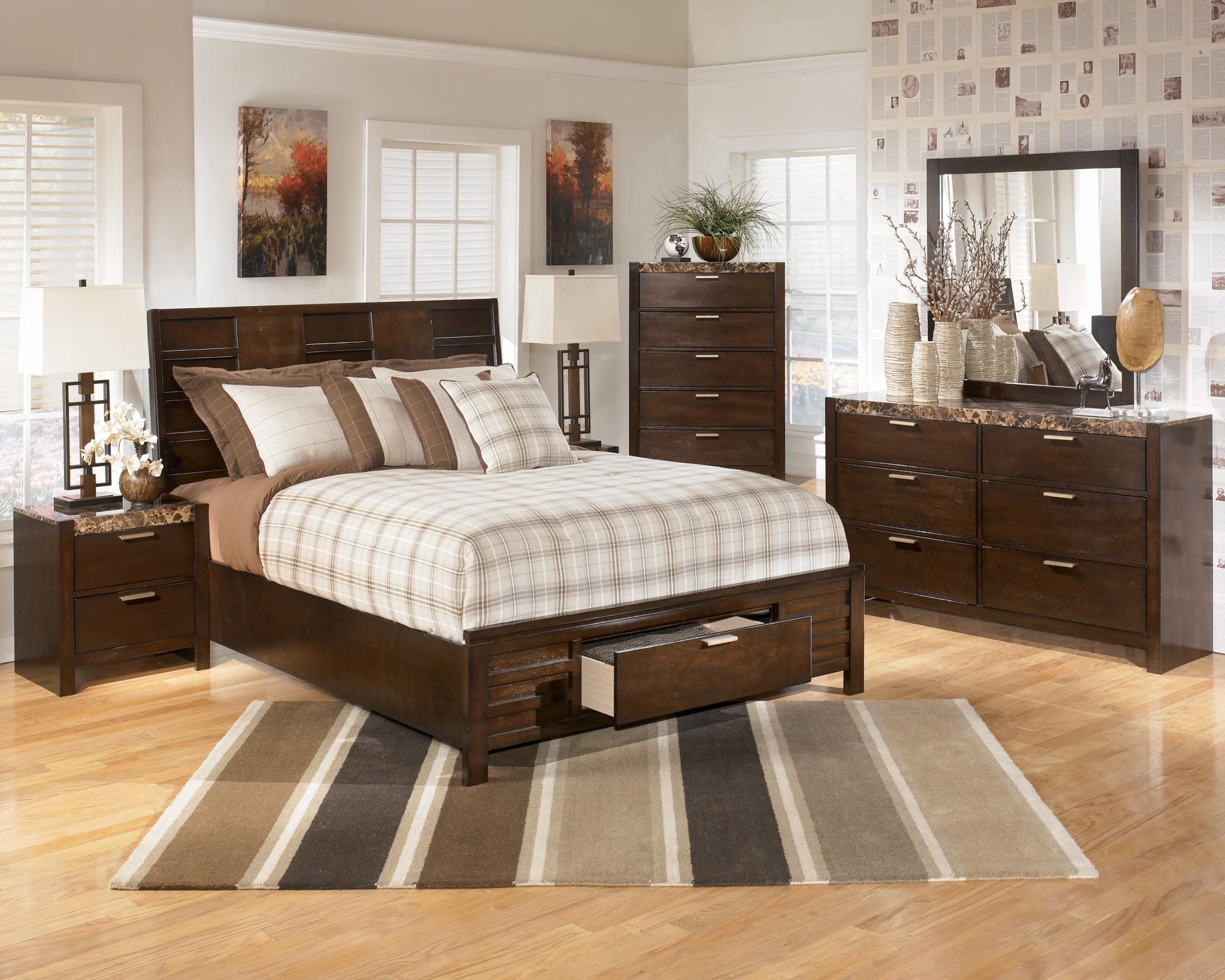 small bedroom furniture arrangement ideas photo - 10