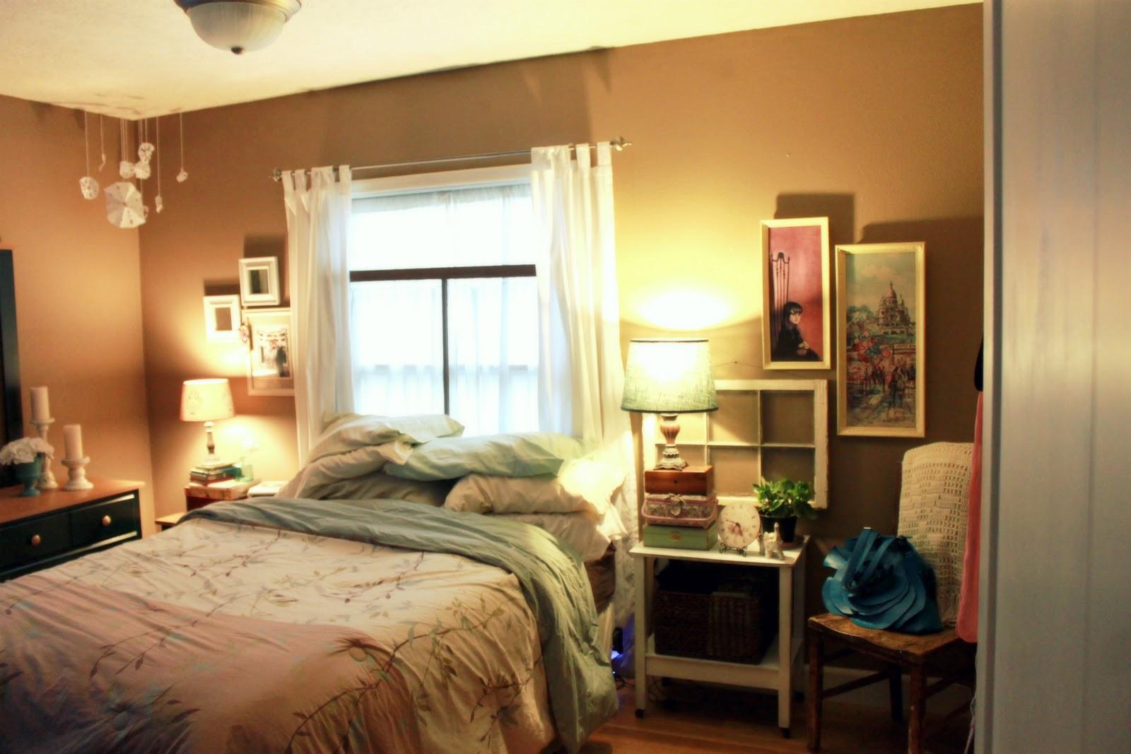 Small bedroom furniture arrangement ideas | Hawk Haven