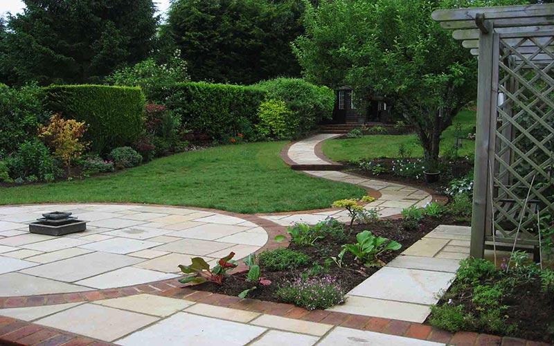 small sloped garden ideas photo - 2