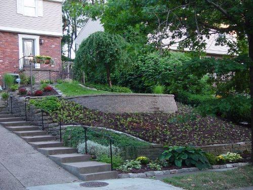 small sloped garden ideas photo - 9